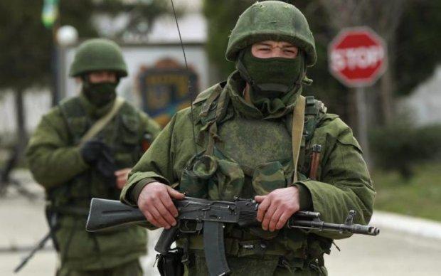 Окупанти стягнули озброєння на головну площу Севастополя