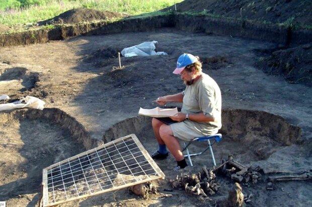 Археолог, скріншот: YouTube