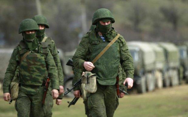 Белорусов переполошили вооруженные зеленые человечки