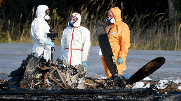 Пассажирский самолет рухнул прямо на город, много погибших: детали кровавой аварии