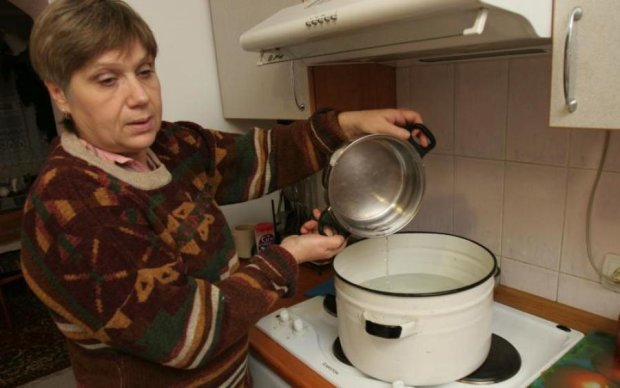 """Тарифы на воду вновь """"порадуют"""" киевлян"""