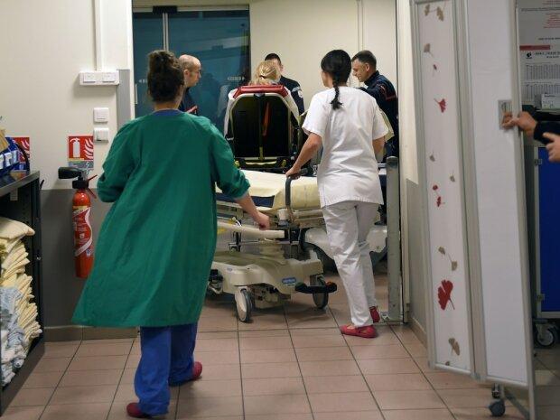 Одно тело на двоих: в Черновцах женщина родила сиамских близнецов