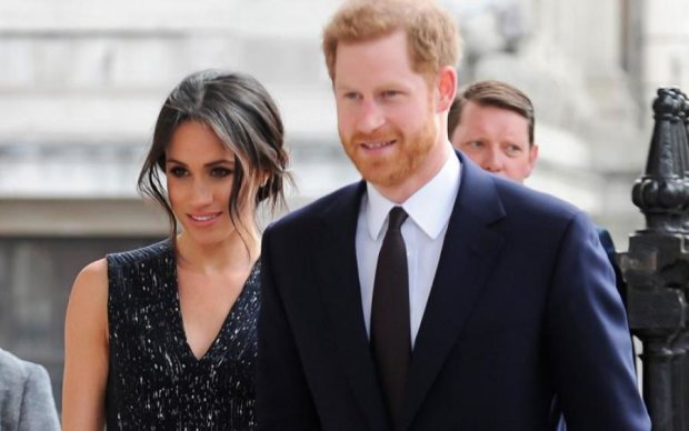 Принц Гаррі та Меган Маркл офіційно оголошені чоловіком і дружиною