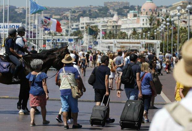 Заробітчани витрусять останні гроші на поїздки до Європи: кого торкнеться новий закон