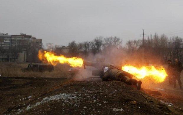 Беспокойная ночь в АТО: боевики накрыли позиции украинских воинов с бронетехники