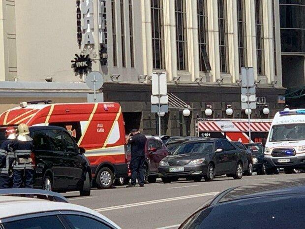 Террорист, захвативший банк в Киеве, ненавидит арабов и Путина - журналисты нашли психа в соцсетях