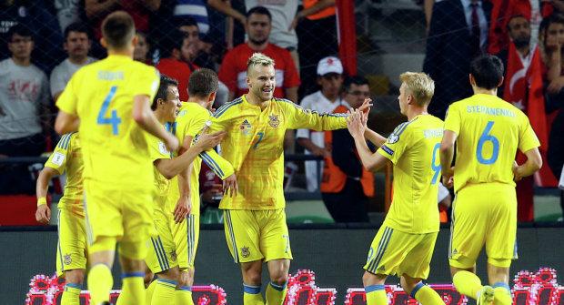 Гравці збірної України привітали фанатів з Новим роком: відео