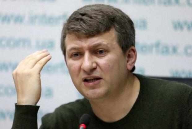 "Романенко расставил все точки над ""і"" в вояже ""слуг народа"" в Давос: ""Занавес, господа"""