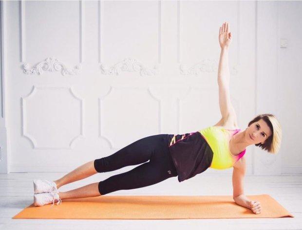 Упругие ягодицы и подтянутые ноги: комплекс упражнений от Аниты Луценко
