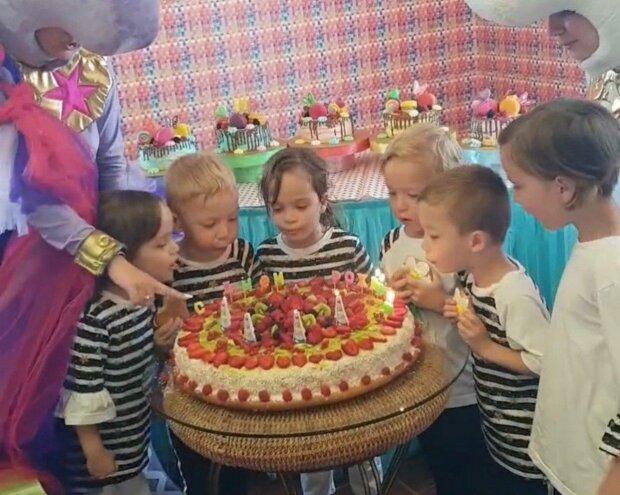 Три братики й дві сестрички - унікальним п'ятерняшкам з Одеси чотири роки, танцювали всім садком