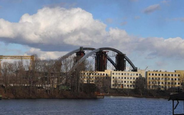 Від Подолу до Троєщини: у Києві з'явиться новий міст