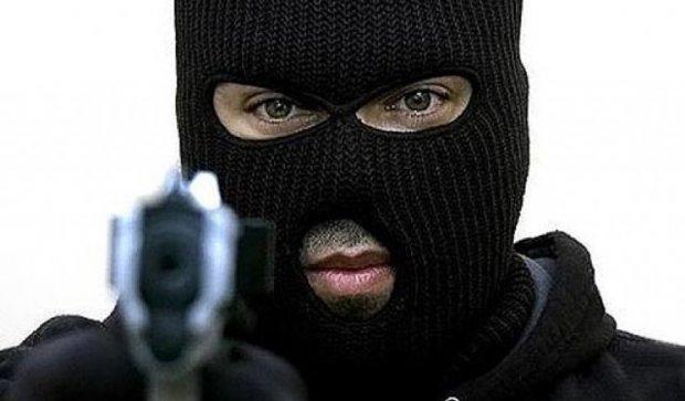 Серійного злодія затримали за напад на міліціонера