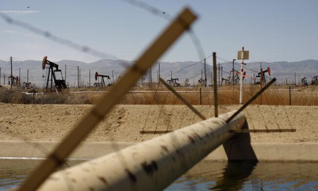 Видобуток нафти, паливо, бензин \\ фото Getty Images