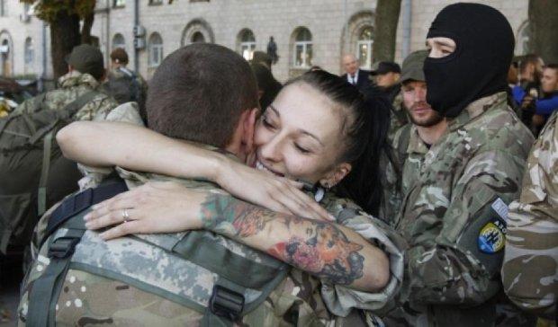 130 міліціонерів повернулися додому з АТО (відео)