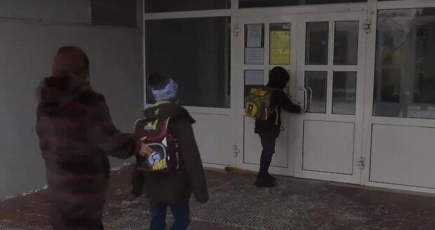 Украинский школьный учебник оправдывает насильников