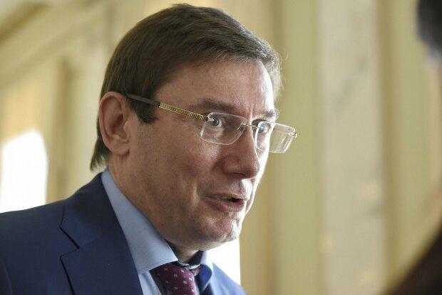 Проти Луценка порушено кримінальну справу: на чому попався колишній генпрокурор, по стопах Порошенка
