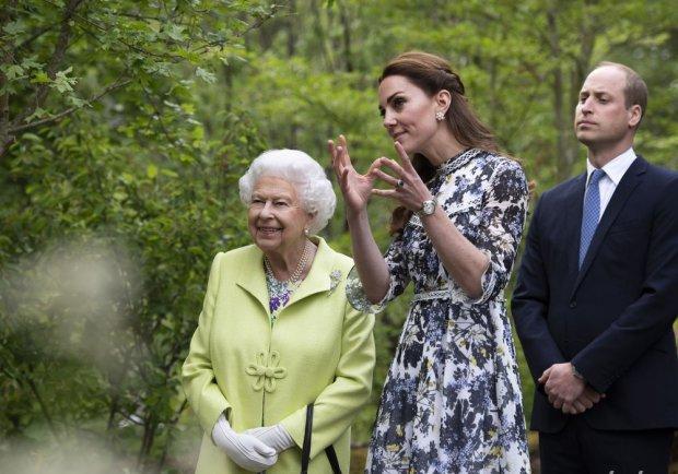 Кейт Миддлтон с принцем показали шедевральное творение королеве Елизавете II: ярче всех цветов