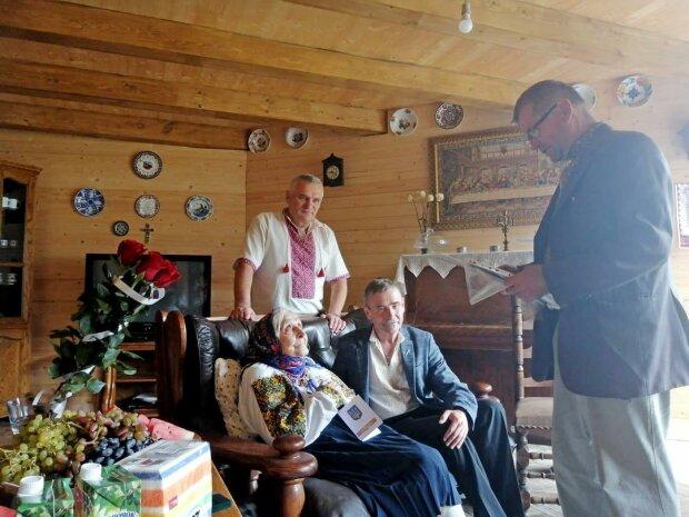 Соратниця Бандери з Прикарпаття відсвяткувала 99-річчя - пройшла крізь пекло катів Сталіна заради України