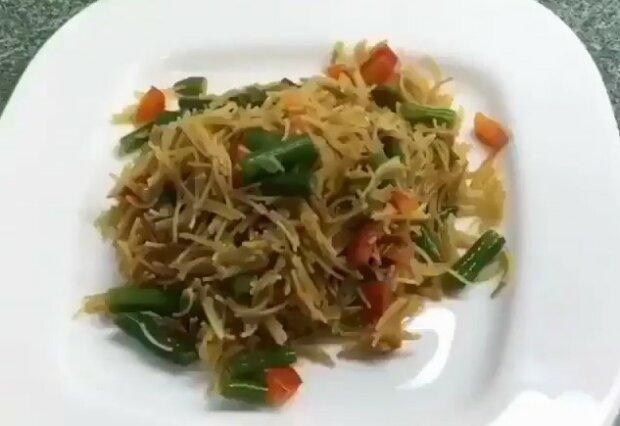 Смачна смажена вермішель з овочами: проста і ситна вечеря за копійки