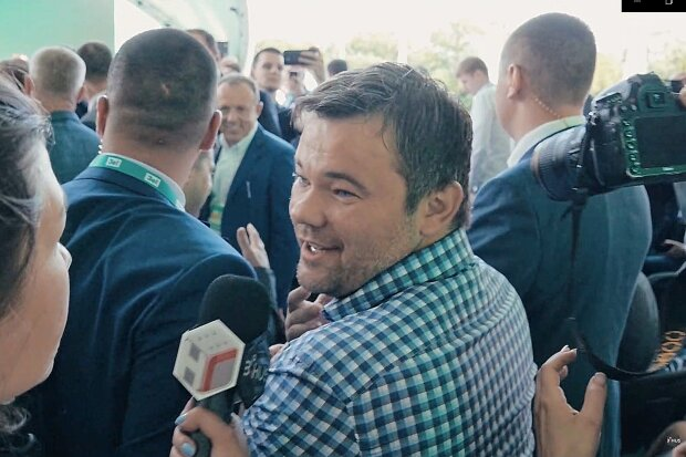 Сен-Тропе и оголенные девушки: как Андрей Богдан отметил День Независимости, - СМИ