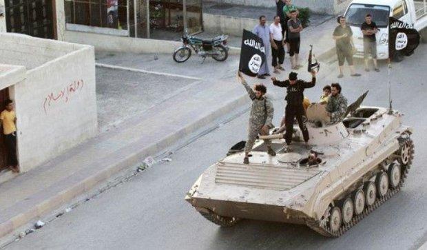 Аби їх не бомбили, мешканці столиці ІДІЛ молються за негоду
