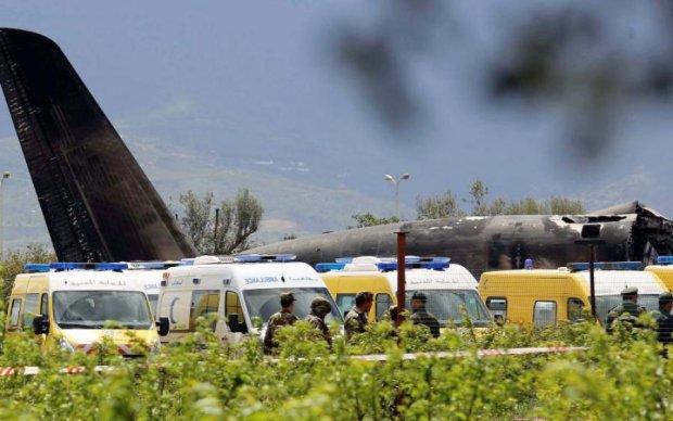 Чудовищная смерть: самолет выбросил 16 человек и разбился