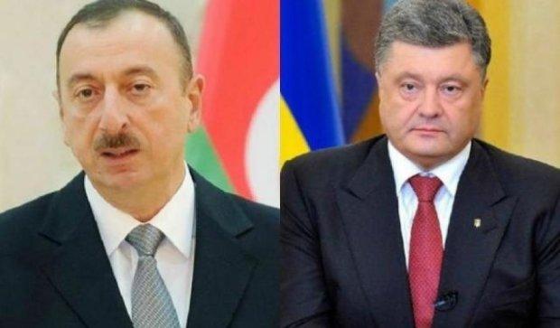 Порошенко передаст Алиеву украинское оружие