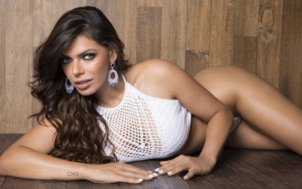 Бразильская секси-дива оригинально поздравила Месси с юбилейным голом