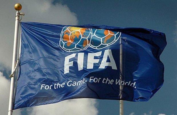 Шестерых чиновников FIFA арестовали за коррупцию