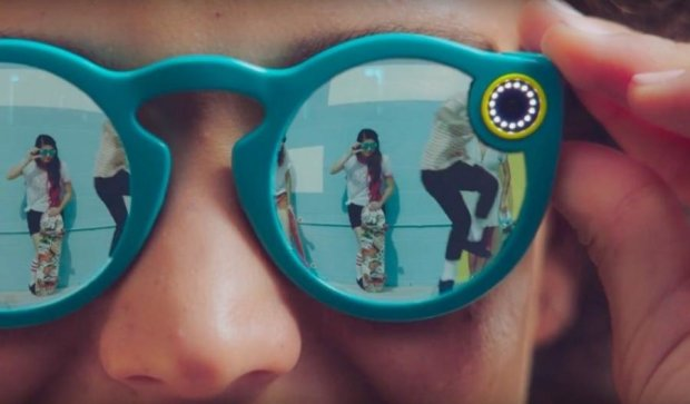 Snapchat випустив шпигунський гаджет