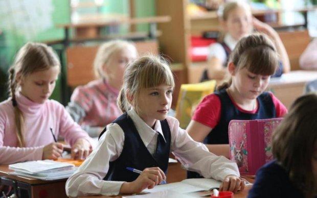 """Нестача шкіл в Україні: стало відомо, куди """"переселять"""" учнів"""