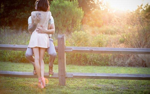 В запорізькому парку орудує розпусна парочка: батьки, ховайте своїх дітей, 18+