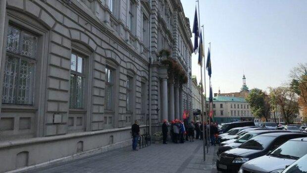 """Розлючені львів'яни поставили губернатору Мальському жорсткий ультиматум: """"Зроби це негайно"""""""
