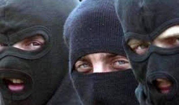 На Житомирщине люди в масках вынесли из квартиры $30 тысяч