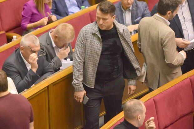 """Разумков оголосив про відсторонення від обов'язків заступника голови """"Слуги народу"""""""