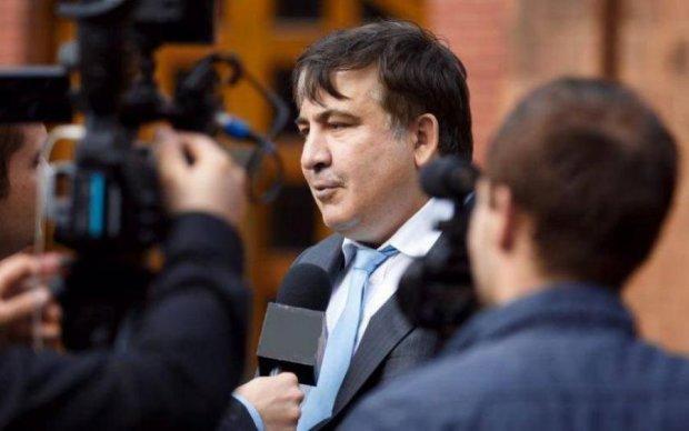 """Военное положение и """"персональные"""" меры: о чем говорили Порошенко и Саакашвили на Мальте"""