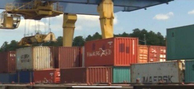 В Киев пустили поезда из китайского Уханя - везут в Украину контейнерами