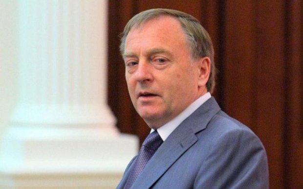 Узурпація Януковича: Лавринович пояснив, що його хата скраю