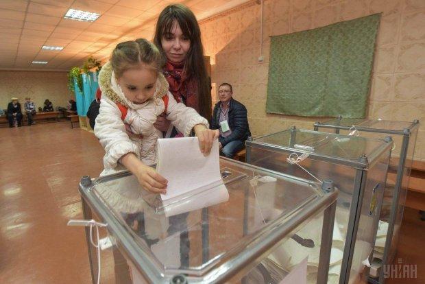 """Знайомий політик чи """"сірий кардинал"""": Давидюк показав суть виборчих систем в Україні"""