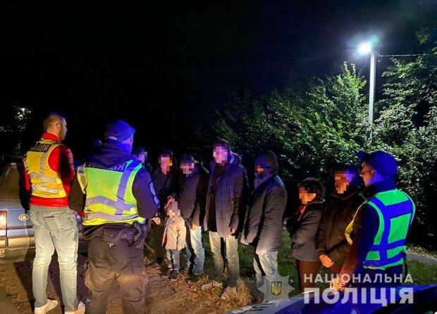 На Закарпатье полиция задержала нелегалов, фото zk.npu.gov.ua