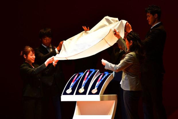 Токіо-2020: організатори представили унікальні медалі, відео