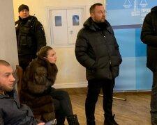 В'ячеслав Соболєв з дружиною у залі суду, фото: Уніан