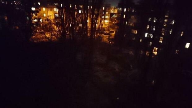 """Львів потонув у непроглядній пітьмі, городяни не знаходять слів - """"Пішли в підпілля?"""""""