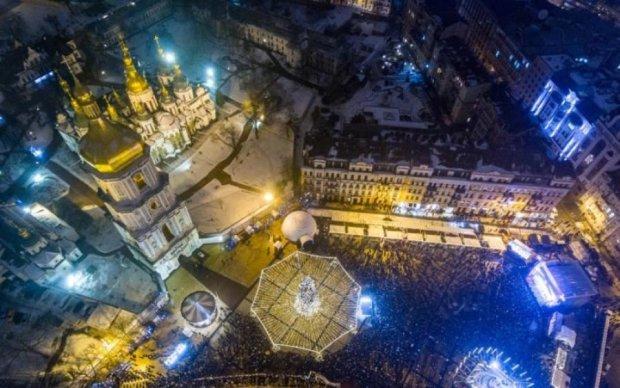 Красота с высоты птичьего полета: невероятная аэросъемка Киева