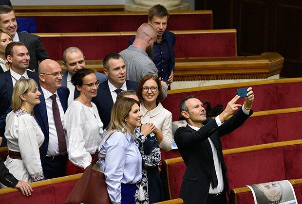 Рада закриє Вакарчука та Медведчука в одному кабінеті, доведеться працювати разом: подробиці