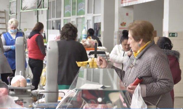 Украинцам проиндексируют пенсии: на сколько и у кого вырастут выплаты уже в марте