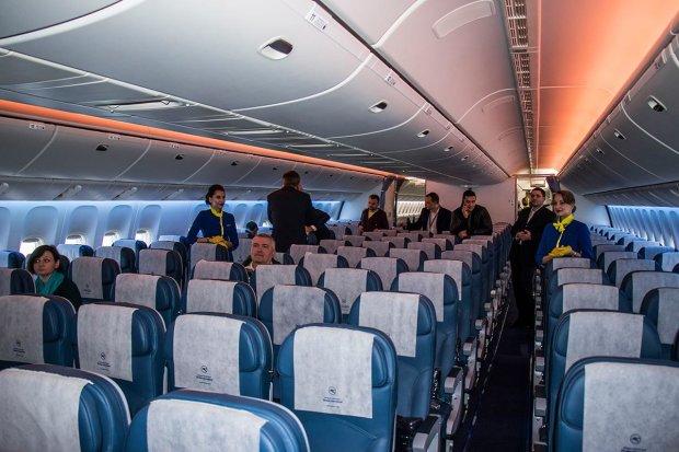 МАУ пропонує харчування у літаках за ціною квитків Rayanair
