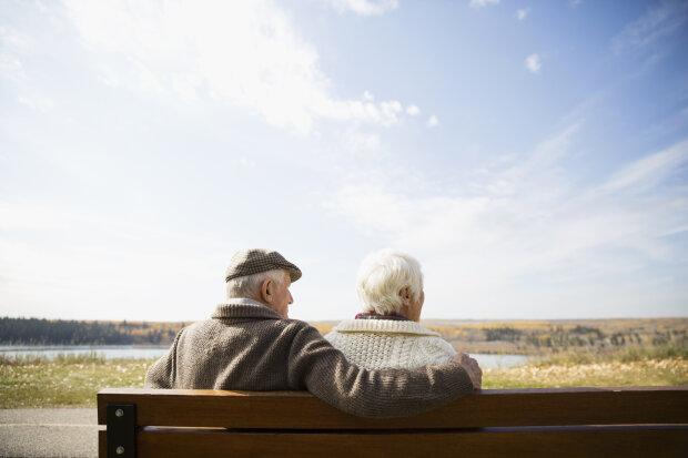 Минимальная пенсия и выплаты малообеспеченным: сколько будут получать украинцы после пересчета