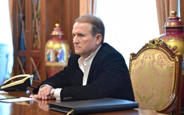 Прес-служба: Усі спроби очорнити В. Медведчука приречені на провал