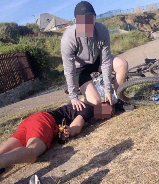 Підлітки зняли пародію на смерть Флойда, скріншот: Телеграм / Лента дна
